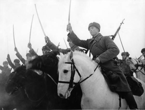 Sowjetische Kavallerie in der Schlacht um Moskau