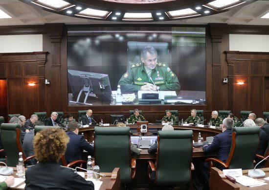 E você aprende e serve. Uma foto colorida do novo exército russo