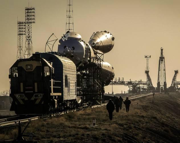 空への長い道のり。 発売が繰り返し延期されている新しいSoyuz-2.1Âブースターは、最初に宇宙に出発しました