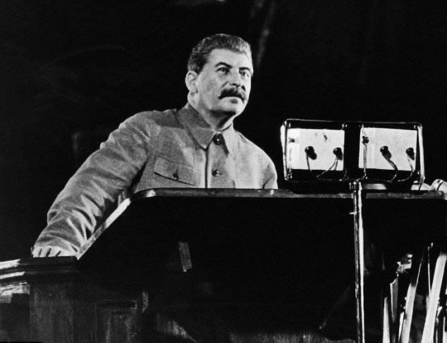 Ohne die stalinistische Grundlage hätte das Schicksal der Serben, Afghanen und Libyer auf uns gewartet. Keine Illusionen hier zu füttern
