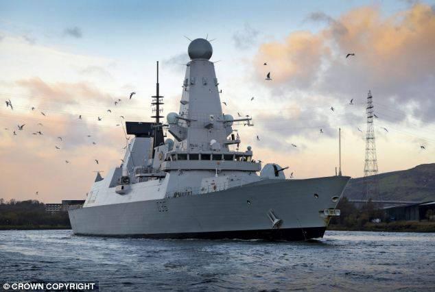 러시아 연안 순양함이 영국 해안에서 발견되었습니다.