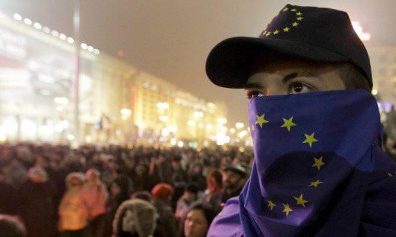 Euromaidan ameaça 1400 mil pessoas com violência, e no leste da Ucrânia está preso em uma crise de auto-identidade