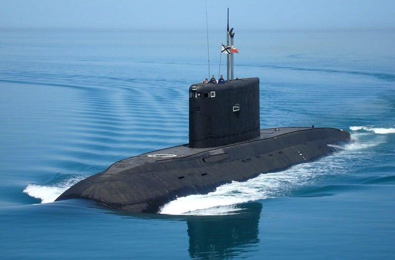 La marine vietnamienne a pris le deuxième des six sous-marins commandés