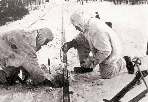 Técnica del secreto especial. Minas soviéticas controladas por radio