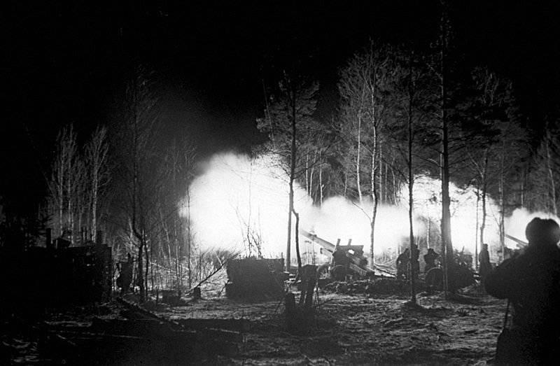 """La primera """"huelga estalinista"""". Parte de 2. La liberación de Veliky Novgorod de los invasores alemanes."""