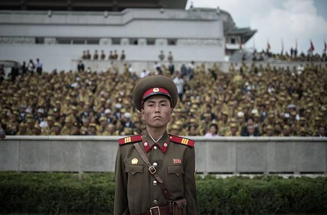 """Armée nord-coréenne fondée sur les principes du """"Juche"""" et du """"Songun"""""""