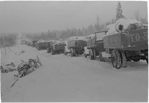 O comboio esmagado de máquinas 44-th divisão. Fotos do arquivo finlandês da Guerra de Inverno http://sa-kuva.fi