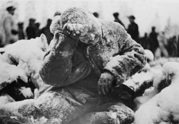 Congelado sob Suomussalmi. Do arquivo do fotojornalista americano Carl Midans