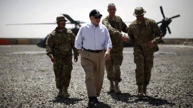 로버트 게이츠 : 영국은 더 이상 본격적인 미군 파트너가 아니다.