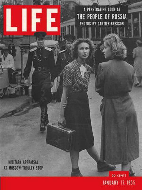 Henri Cartier-Bresson在25的苏联生活中展示了1954