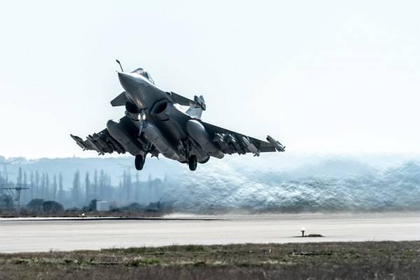 """Kämpfer """"Rafale"""" führte den Flug in der maximalen Kampfkonfiguration durch"""