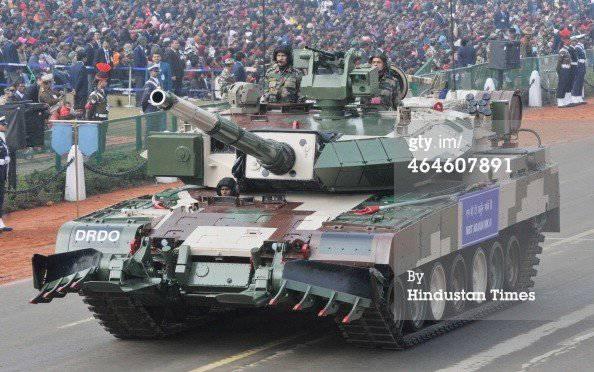 India presentó su nuevo tanque MBT Arjun Mark-II