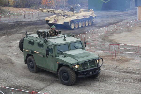 """Die Spezialeinheiten des Central Military District in 2014 erhalten 24-Panzerfahrzeuge """"Tiger"""""""