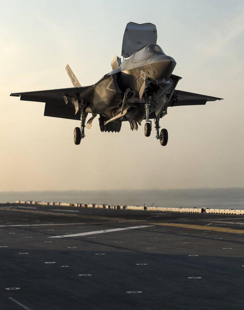 Обои взлетная, истребитель, Самолёт, полоса, мощь, тень, фотографа. Авиация foto 9