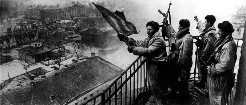 День полного освобождения Ленинграда от блокады. Миф о необходимости сдачи города без боя