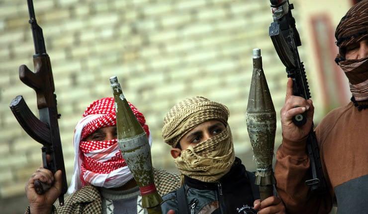 """Expert: """"Les armées irakiennes et syriennes sont entraînées dans une seule guerre, mais sur des fronts différents"""""""
