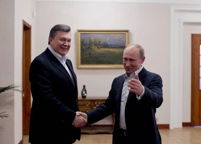 Yanukovich le preguntó a Putin sobre el aeródromo alternativo