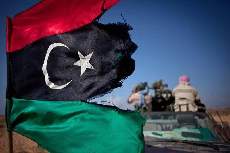 Libia fragmentada espera líder