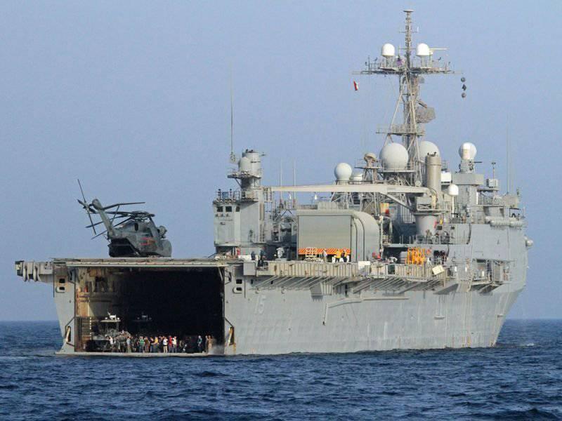 미 해군은 철도 총과 레이저 총을 생각합니다.