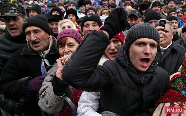 L'Ucraina sulla strada del fallimento e della dittatura fascista