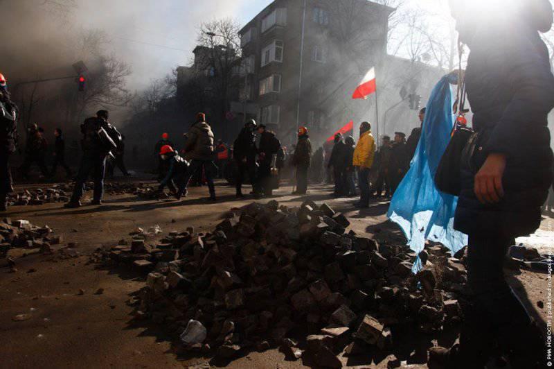 Украина: убитые и раненые, восток и запад