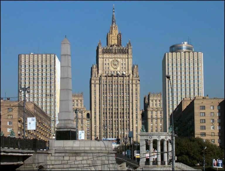 Außenministerium der Russischen Föderation: In Russland sind sie empört über die Gesetzlosigkeit, die in den östlichen Regionen der Ukraine aufgrund der Maßnahmen des Rechten Sektors herrscht