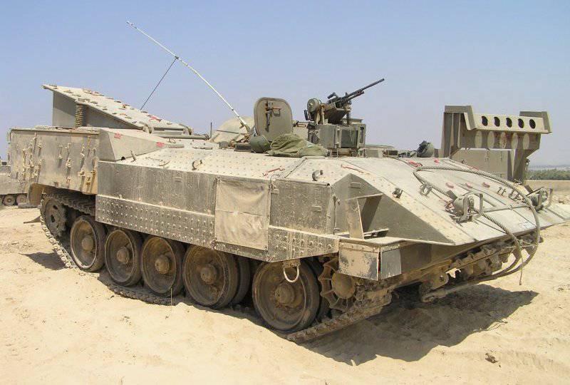 L'armée israélienne modernise le transport de troupes blindé lourd Achzarit