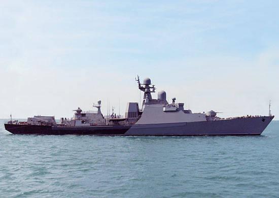 Hazar Filosunun gemileri tatbikat yapmak için denize açıldı.