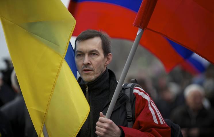 러시아와의 외교 관계를 깨뜨린 법안은 베르 코브 나 라다 (Verkhovna Rada)