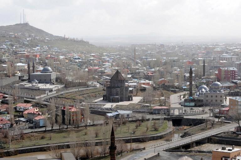 No leste da Turquia, um homem atirou em seis empregados do instituto de estatística de uma metralhadora e cometeu suicídio