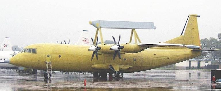 La Chine a créé deux versions de l'avion AWACS basées sur le Y-8 An-12