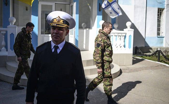 在克里米亚,释放了乌克兰海军谢尔盖海杜克的指挥官