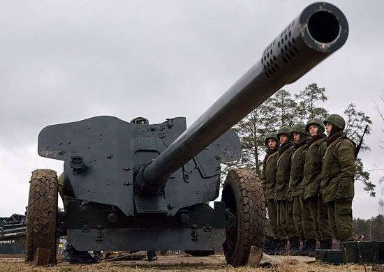 西部軍地区の砲手たちは埋め立て地に行きました