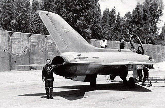 Arabische MiGs fliegen nach Israel