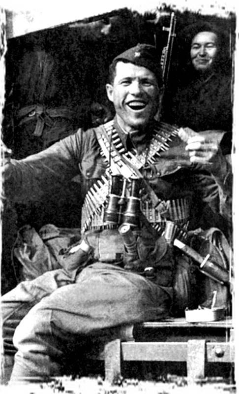 Héroes del país. Ovcharenko Dmitry Romanovich