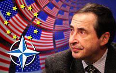 """A. 파셰 르프 (Parshev) : """"서방은 국제법을 짓밟 았던 사람이 누구인지 이해하지 못한다"""""""