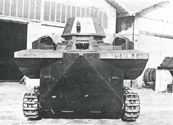 Batignolles-Chatillon DP-2 floating tank (France)