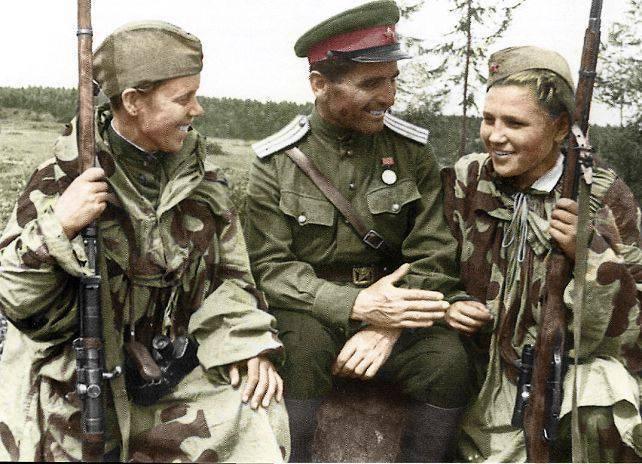रंग में महान देशभक्तिपूर्ण युद्ध
