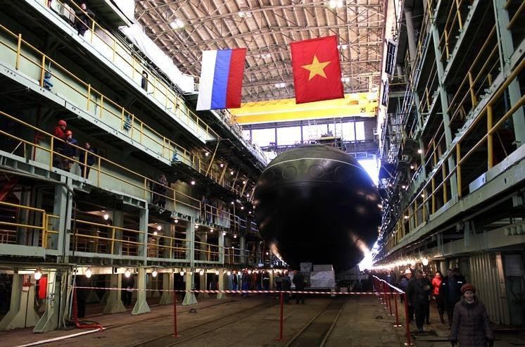 为越南推出第四艘潜艇。