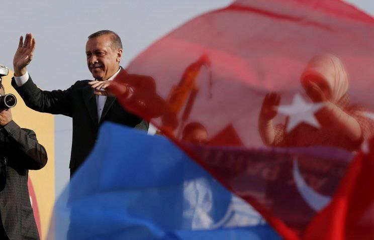 तुर्की के प्रधान मंत्री ने संयुक्त राज्य अमेरिका को सूट करना बंद कर दिया