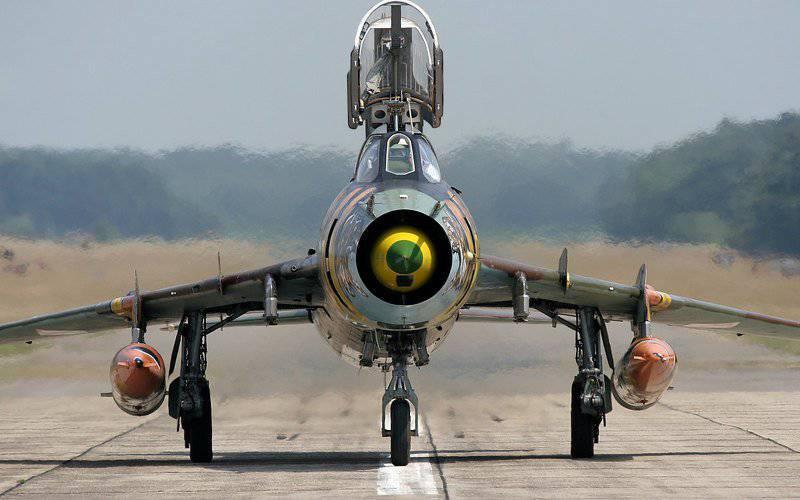 Polonia dejó en servicio los aviones Su-22