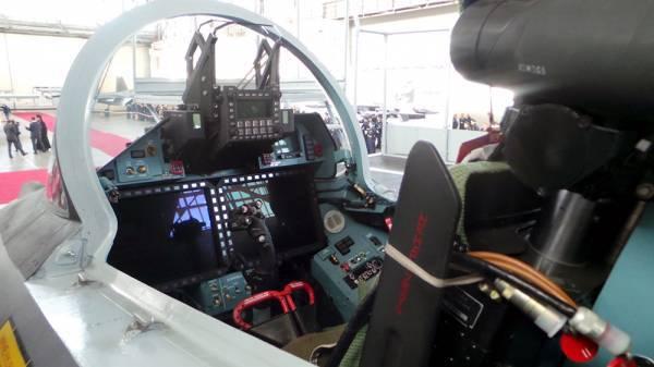 在天空中 - 守卫的变化。 空军购买最新的战斗机