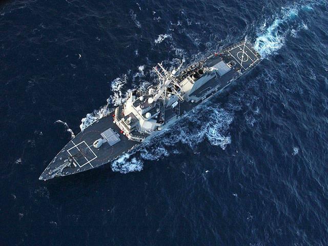 俄罗斯战斗机飞越驱逐舰唐纳德库克