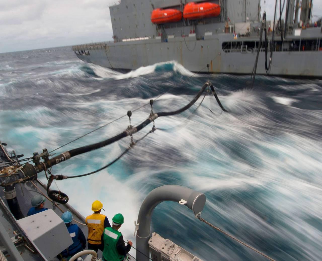 米海軍は海水を燃料と見なしている