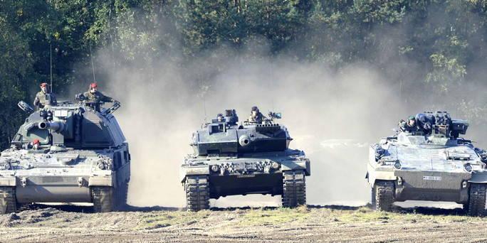 국방 장관 : 나토는 유럽에서 장갑차가 뛰어난 러시아의 3 배