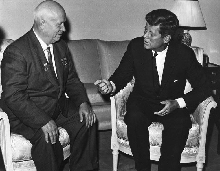 """""""Khrushchev"""" como la primera reestructuración. Parte de 2"""