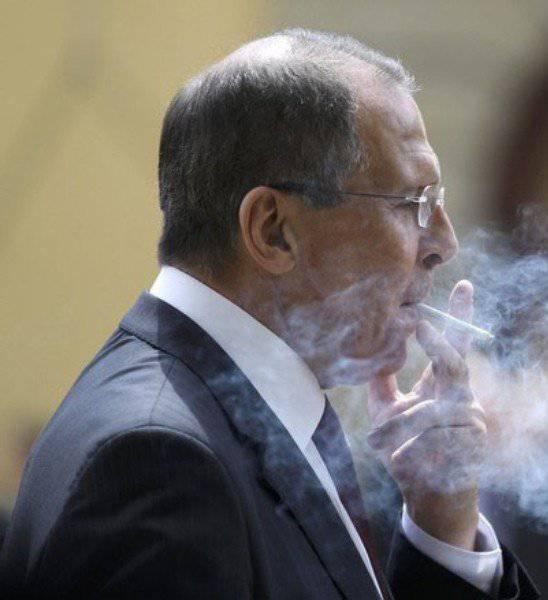 """Les leçons de la diplomatie """"moderne"""" pour la Russie sur l'exemple ukrainien"""