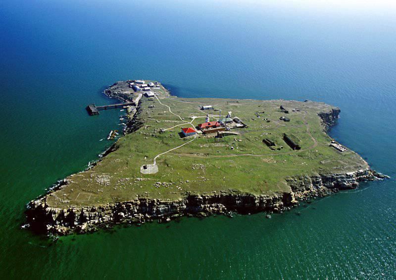 뱀은 걸림돌이되는 섬이다.