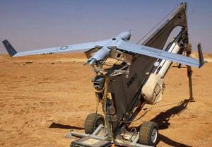 無人偵察機は警察、軍隊および海軍を必要とする