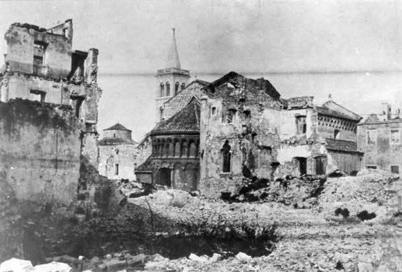 """Comment tout a commencé: """"Pâques sanglante"""" à Belgrade il y a quelques années 70"""